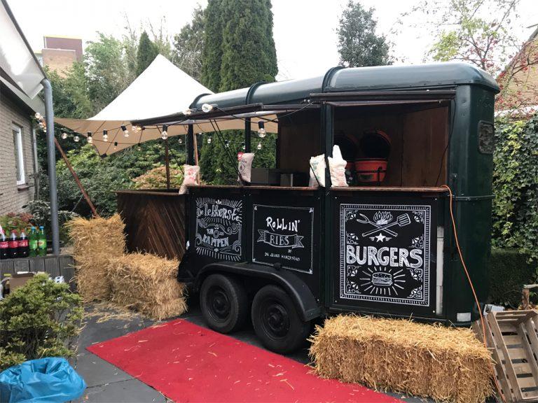 Food truck van de Leuke Hanzestad op locatie